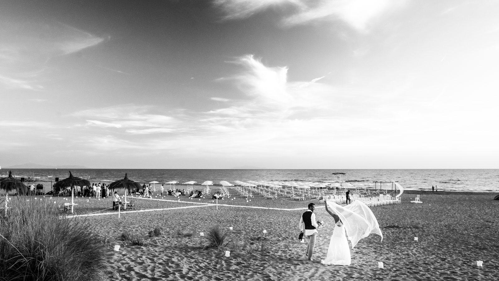 Matrimonio Riva Al Mare Toscana : Incantevole matrimonio in riva al mare silvia e marcello
